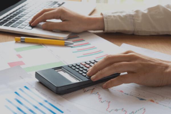 Porcentajes aplicables a créditos vencidos y procedimiento y registro tributario de castigo de deudas incobrables.